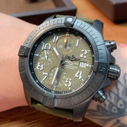 With the military dial and strap, the Breitling looks very strong.