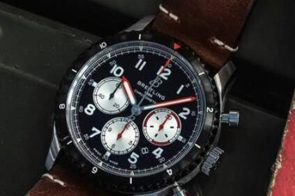 The new Breitling Aviator is quite different from the pilots watches Breitling launched before.